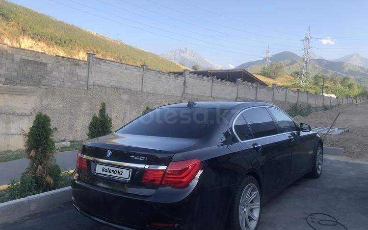BMW 750 2010 года за 7 000 000 тг. в Алматы