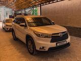 Toyota Highlander 2014 года за 16 700 000 тг. в Актау