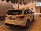 Toyota Highlander 2014 года за 16 700 000 тг. в Актау – фото 4
