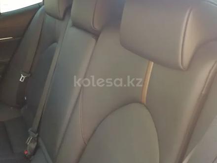 Toyota Camry 2019 года за 13 400 000 тг. в Алматы – фото 25