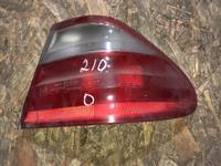 Задний фонарь Мерседес 210 за 10 000 тг. в Алматы