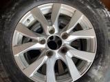 Два комплекта шин 285/60/R18 + R18 оригинальные диски. за 400 000 тг. в Алматы