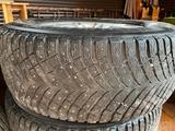 Два комплекта шин 285/60/R18 + R18 оригинальные диски. за 400 000 тг. в Алматы – фото 2