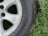 Шины с дисками от Toyota prado за 150 000 тг. в Уральск – фото 3
