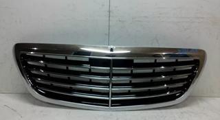 Решетка радиатора Mercedes-Benz S-Class W222 передняя за 93 000 тг. в Нур-Султан (Астана)