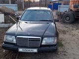 Mercedes-Benz E 220 1992 года за 1 200 000 тг. в Усть-Каменогорск – фото 3