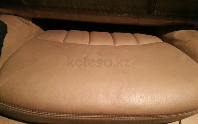 Сиденья салона комплект на мерседес w211 с рестайла на седан за 250 000 тг. в Алматы