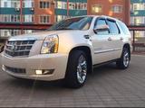 Cadillac Escalade 2014 года за 16 000 000 тг. в Актобе