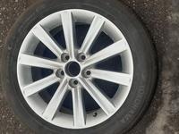 Toyota Camry 55 17 диск 1 штука за 50 000 тг. в Алматы