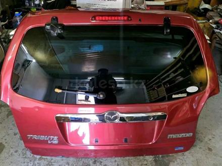 Двери крышка багажника на Мазда Трибют за 15 000 тг. в Алматы