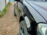 Mercedes-Benz ML 320 2002 года за 3 400 000 тг. в Кокшетау – фото 2