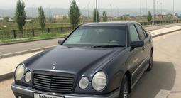 Mercedes-Benz E 320 1996 года за 2 800 000 тг. в Алматы