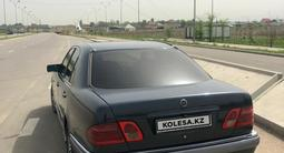 Mercedes-Benz E 320 1996 года за 2 800 000 тг. в Алматы – фото 2