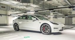 Tesla Model 3 2020 года за 39 500 000 тг. в Алматы – фото 2