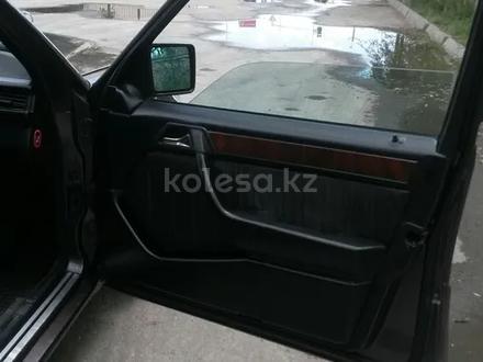 Mercedes-Benz E 280 1994 года за 2 400 000 тг. в Шымкент – фото 2