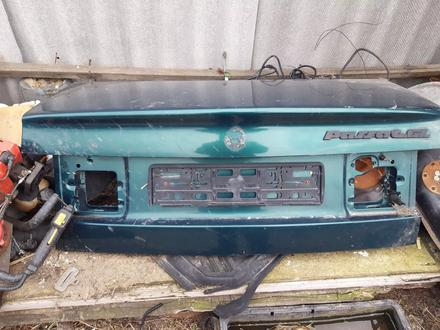 Крышка багажника на пассат за 1 111 тг. в Костанай