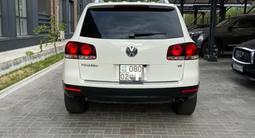 Volkswagen Touareg 2008 года за 6 200 000 тг. в Алматы – фото 5