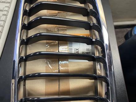 BMW f30 Решетка(ноздри) за 20 000 тг. в Алматы – фото 2