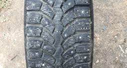 Зимняя резина шипованная Bridgestone за 70 000 тг. в Алматы