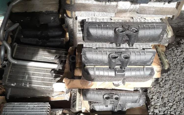 Радиатор печки на Мерседес 202 за 5 000 тг. в Караганда