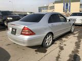 Mercedes-Benz C 240 2001 года за 3 000 000 тг. в Алматы – фото 5