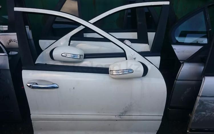 Дверь на мерседес передняя и задняя w203 универсал седан за 10 000 тг. в Алматы
