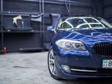 BMW 523 2010 года за 7 200 000 тг. в Алматы – фото 3