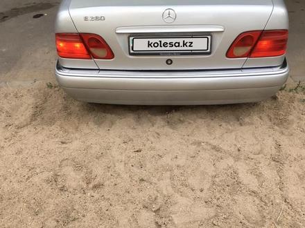 Mercedes-Benz E 280 1997 года за 3 300 000 тг. в Павлодар – фото 4