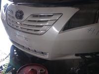 Передний бампер Toyota Camry XV40 за 100 000 тг. в Алматы