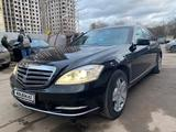 Mercedes-Benz S 600 2008 года за 11 000 000 тг. в Уральск – фото 2