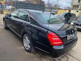 Mercedes-Benz S 600 2008 года за 11 000 000 тг. в Уральск – фото 3