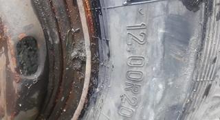 Шины с дисками на Камаз, всесезонные, б/у, евро R20 за 35 000 тг. в Алматы