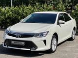 Toyota Camry 2015 года за 8 500 000 тг. в Алматы – фото 2