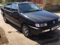 Volkswagen Passat 1995 года за 1 800 000 тг. в Караганда