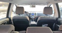Hyundai Santa Fe 2010 года за 3 400 000 тг. в Уральск – фото 4