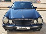 Mercedes-Benz E 320 2001 года за 4 100 000 тг. в Актау – фото 2