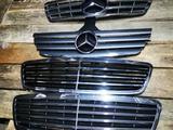 Решетка радиатора Mercedes Benz w203 до рест за 35 000 тг. в Шымкент