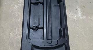 Обшивка двери багажника за 8 000 тг. в Алматы