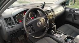 Volkswagen Touareg 2008 года за 4 300 000 тг. в Алматы – фото 3