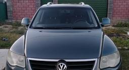 Volkswagen Touareg 2008 года за 4 300 000 тг. в Алматы – фото 5