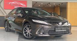 Toyota Camry 2021 года за 20 100 000 тг. в Алматы – фото 2