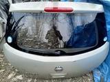 Крышка багажника на Nissan Tiida за 65 000 тг. в Алматы