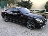 Mercedes-Benz E 350 2012 года за 11 000 000 тг. в Шымкент – фото 2