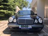Mercedes-Benz E 320 1996 года за 4 150 000 тг. в Алматы – фото 3