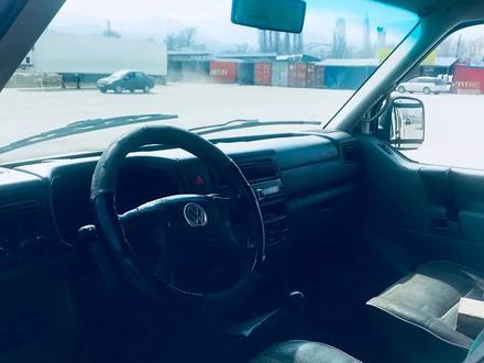 Volkswagen Transporter 2001 года за 2 200 000 тг. в Алматы – фото 8