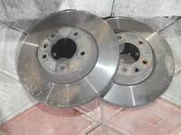 Тормозные диски на Cayenne за 50 000 тг. в Алматы