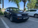 Volkswagen Golf 1995 года за 1 700 000 тг. в Алматы – фото 3