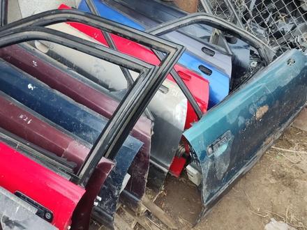 Двери Ауди 80 в4 за 10 000 тг. в Алматы