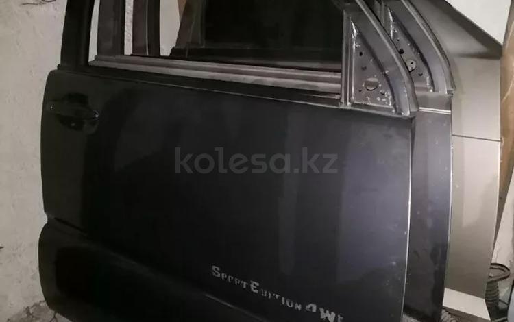 Дверь передняя правая на Toyota 4runner за 1 234 тг. в Алматы