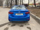 Hyundai Accent 2019 года за 6 510 000 тг. в Алматы – фото 2
